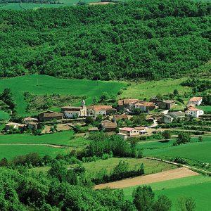 Casa Rural Gaztelubidea. Parque Natural de Izki. Foto: Diputación Foral de Álava